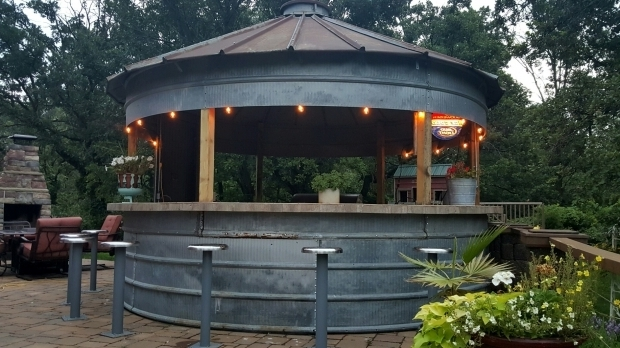Outdoor Kitchen And Bar Designs